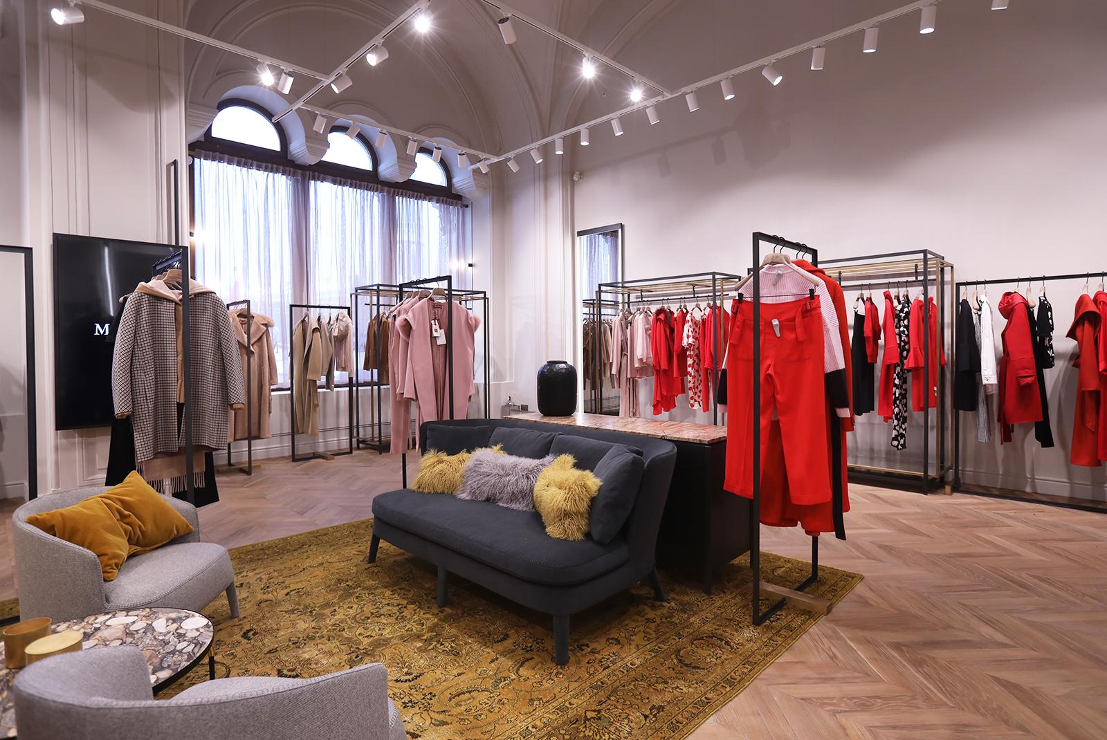 Новый двухэтажный магазин Max Mara в ГУМе 524b6e13690