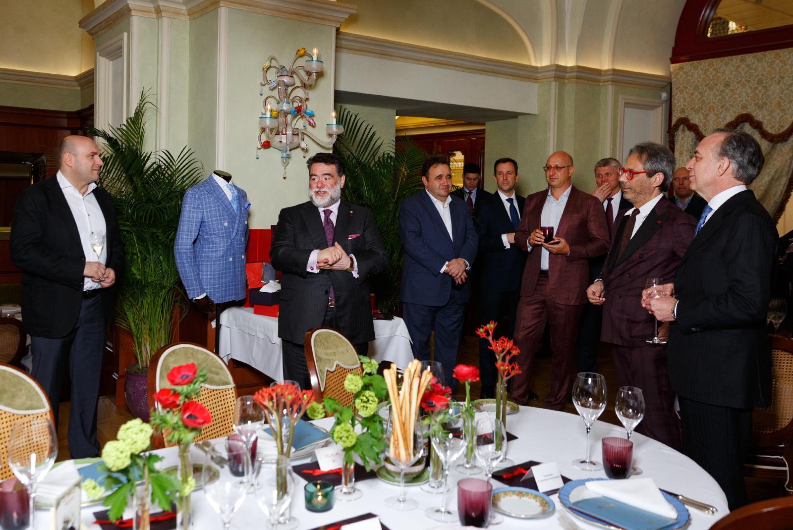 be851a772bcf Isaia в Москве  закрытый ужин с президентом неаполитанской марки Джанлукой  Изайя